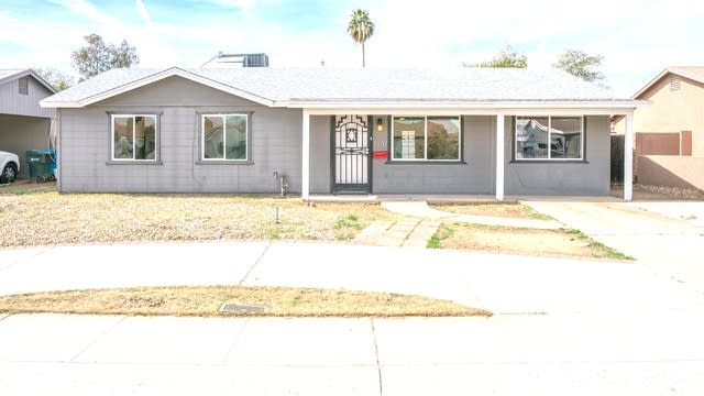 Photo 1 of 17 - 1802 N 64th Ln, Phoenix, AZ 85035
