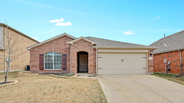 Photo 1 of 25 - 15824 Mirasol Dr, Fort Worth, TX 76177