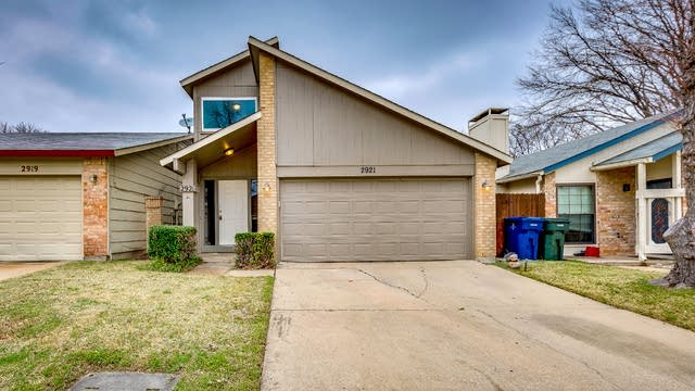 Photo 1 of 18 - 2921 Canis Cir, Garland, TX 75044