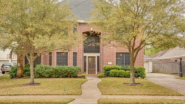 Photo 1 of 22 - 20510 Cypresswood Meadows Dr, Spring, TX 77388