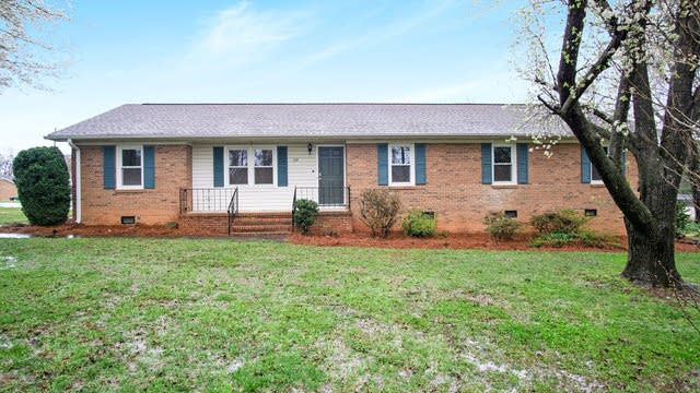 Photo 1 of 17 - 2301 Mt Holly Huntersville Rd, Charlotte, NC 28214