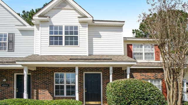 Photo 1 of 13 - 15415 Asterwind Ct, Charlotte, NC 28277