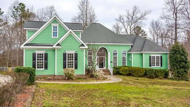 Photo 1 of 27 - 608 Christopher Dr, Clayton, NC 27520