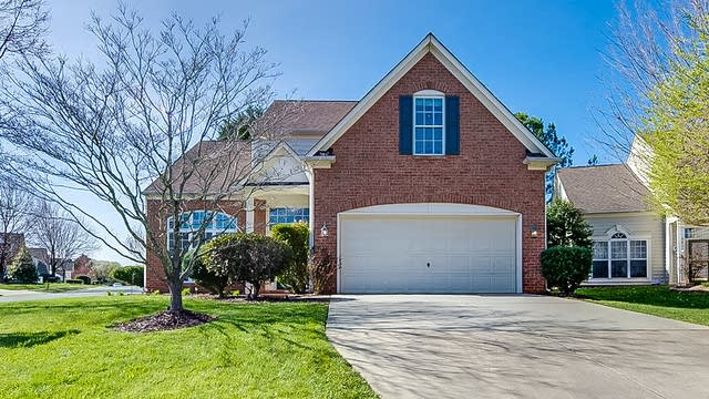 Photo 1 of 18 - 8818 Baffin Ct, Charlotte, NC 28269