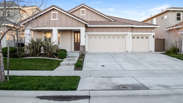 Photo 1 of 25 - 300 Lasso Ct, Roseville, CA 95747