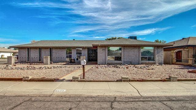 Photo 1 of 27 - 9233 N 48th Dr, Glendale, AZ 85302