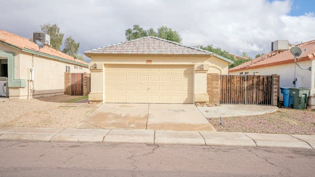 Photo 1 of 28 - 21627 N 29th Dr, Phoenix, AZ 85027