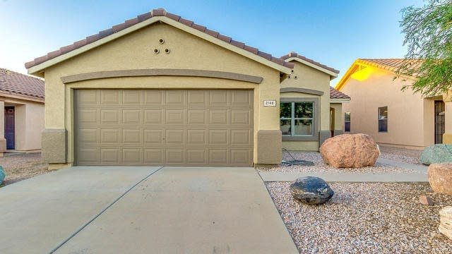 Photo 1 of 19 - 2146 W 23rd Ave, Apache Junction, AZ 85120