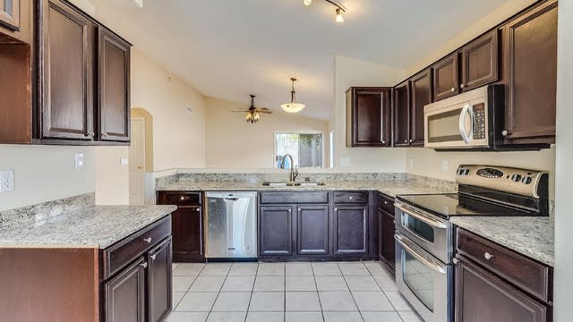 Photo 1 of 18 - 2215 E Siesta Ln, Phoenix, AZ 85024
