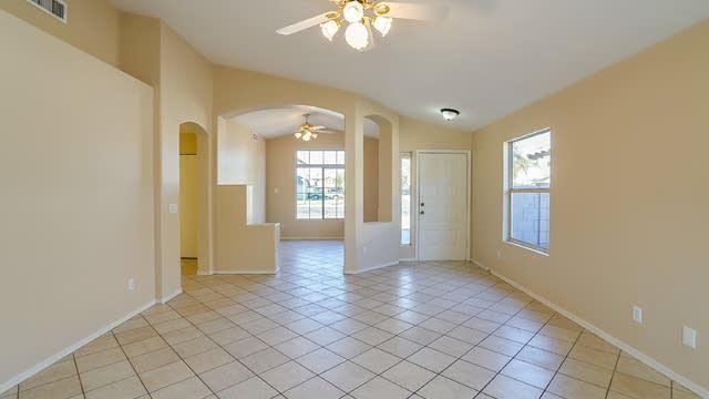 Photo 1 of 17 - 8701 W Palm Ln, Phoenix, AZ 85037