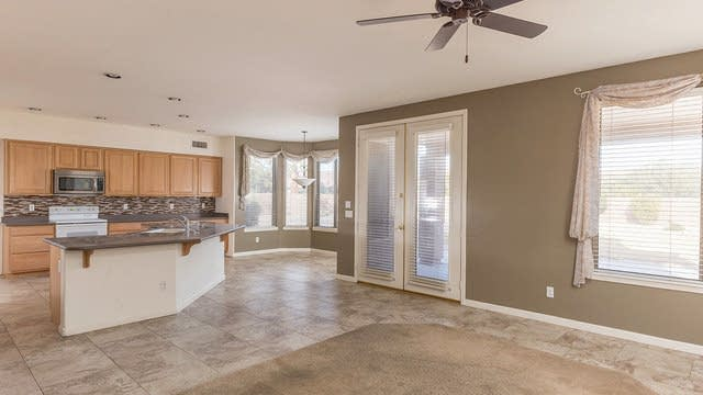 Photo 1 of 29 - 128 N Velma Dr, Gilbert, AZ 85233