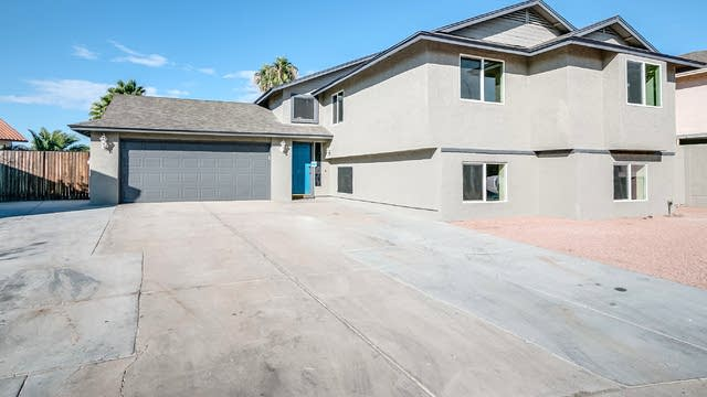 Photo 1 of 61 - 1136 N Ironwood Ct, Gilbert, AZ 85234