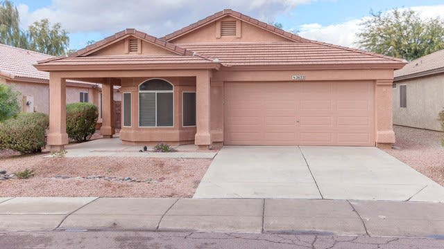 Photo 1 of 25 - 2622 E Hartford Ave, Phoenix, AZ 85032