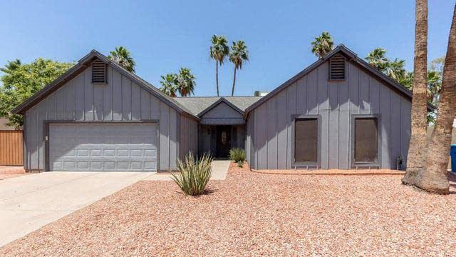 Photo 1 of 27 - 10210 S 45th Pl, Phoenix, AZ 85044