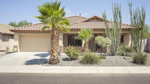 Photo 1 of 25 - 2302 W Hedgehog Pl, Phoenix, AZ 85085