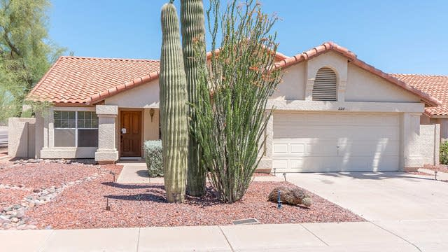 Photo 1 of 23 - 2218 E Desert Trumpet Rd, Phoenix, AZ 85048