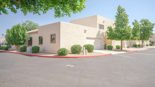 Photo 1 of 21 - 4842 W New World Dr, Glendale, AZ 85302