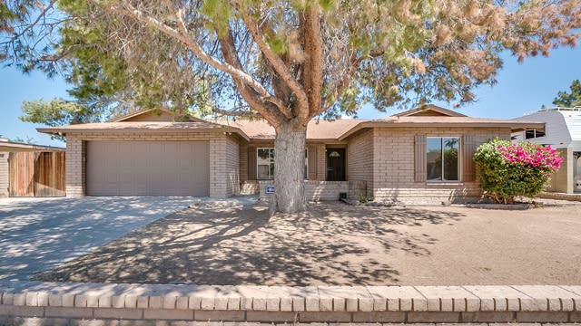 Photo 1 of 30 - 4962 W Ironwood Dr, Glendale, AZ 85302