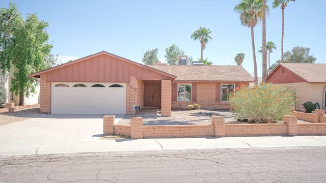 Photo 1 of 31 - 3915 W Christy Dr, Phoenix, AZ 85029