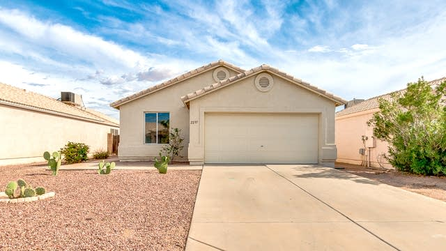 Photo 1 of 25 - 2297 W Renaissance Ave, Apache Junction, AZ 85120