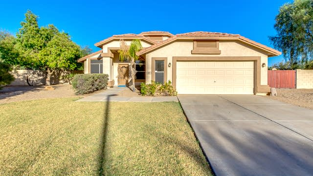 Photo 1 of 29 - 511 S Marin Dr, Gilbert, AZ 85296