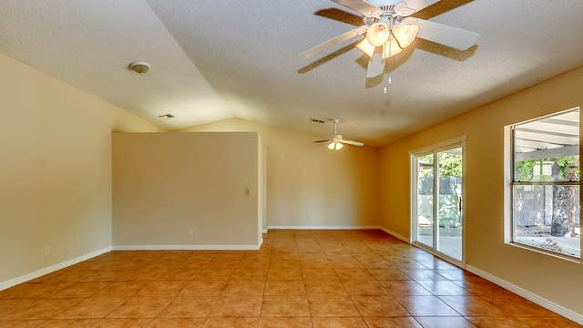 Photo 1 of 22 - 6610 W Mescal St, Glendale, AZ 85304
