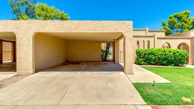 Photo 1 of 26 - 1110 E Cochise Dr, Phoenix, AZ 85020