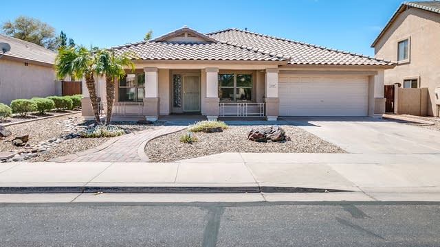 Photo 1 of 25 - 11519 E Prairie Ave, Mesa, AZ 85212