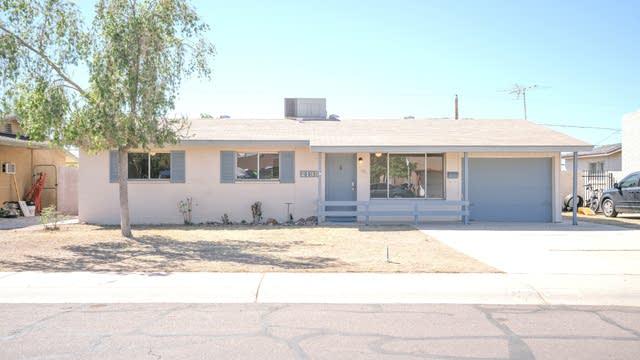 Photo 1 of 22 - 2135 W Poinsettia Dr, Phoenix, AZ 85029