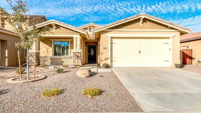 Photo 1 of 24 - 3422 E Ravenswood Dr, Gilbert, AZ 85298