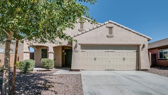 Photo 1 of 39 - 2004 E Saddlebrook Rd, Gilbert, AZ 85142