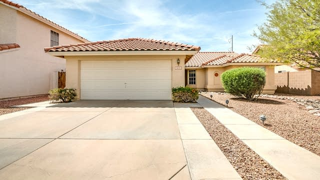 Photo 1 of 29 - 3031 E Redwood Ln, Phoenix, AZ 85048