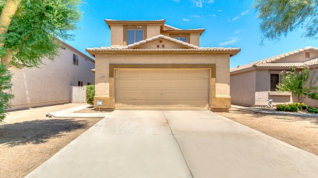 Photo 1 of 34 - 1230 E Press Pl, San Tan Valley, AZ 85140