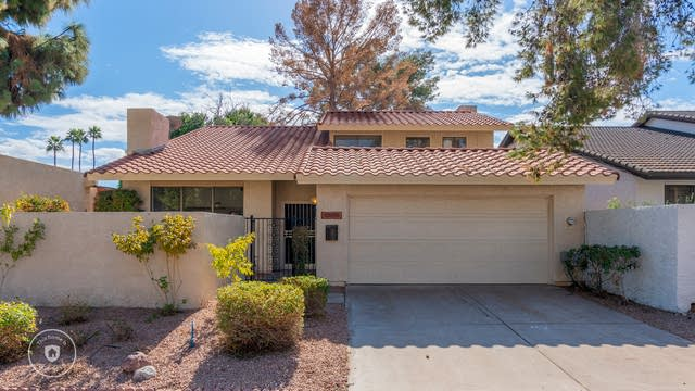 Photo 1 of 28 - 1537 E Candlestick Dr, Tempe, AZ 85283
