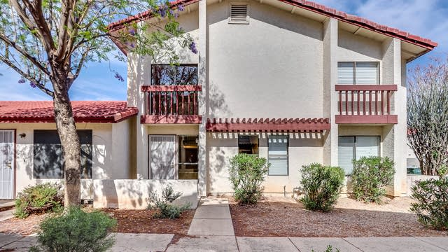 Photo 1 of 17 - 2841 E Beck Ln #2, Phoenix, AZ 85032