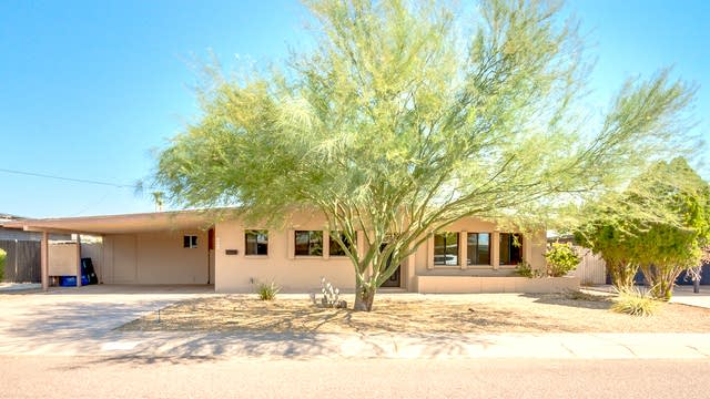 Photo 1 of 25 - 3651 E Shaw Butte Dr, Phoenix, AZ 85028
