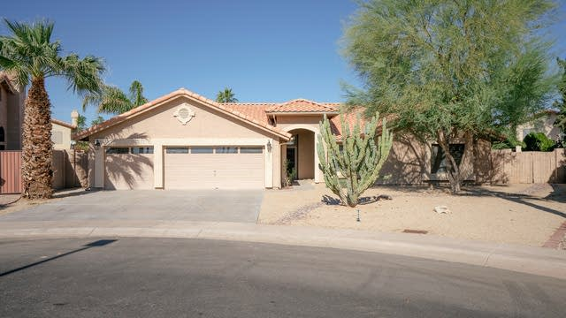 Photo 1 of 32 - 1031 S Scallop Dr, Gilbert, AZ 85233