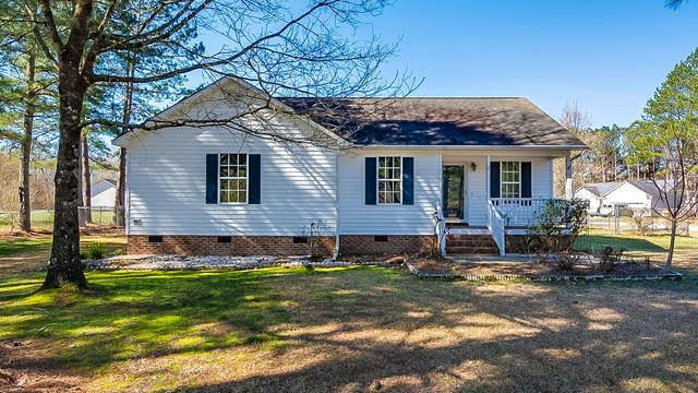 Photo 1 of 17 - 304 Sommerset Dr, Clayton, NC 27520