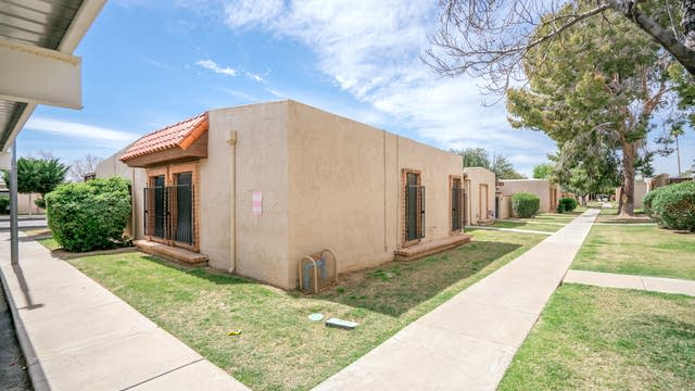 Photo 1 of 16 - 5968 W Augusta Ave, Glendale, AZ 85301