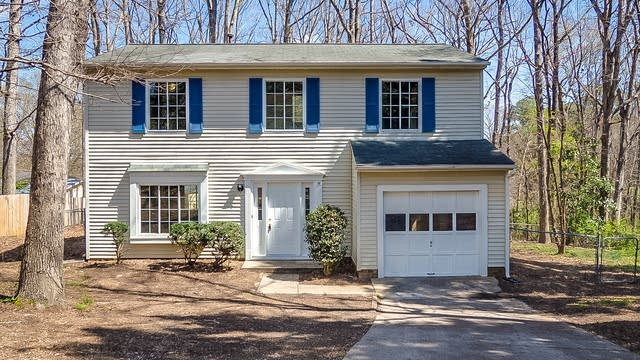 Photo 1 of 24 - 3201 Joanne Dr, Raleigh, NC 27603