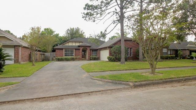 Photo 1 of 24 - 8219 Summertree Dr, Houston, TX 77040