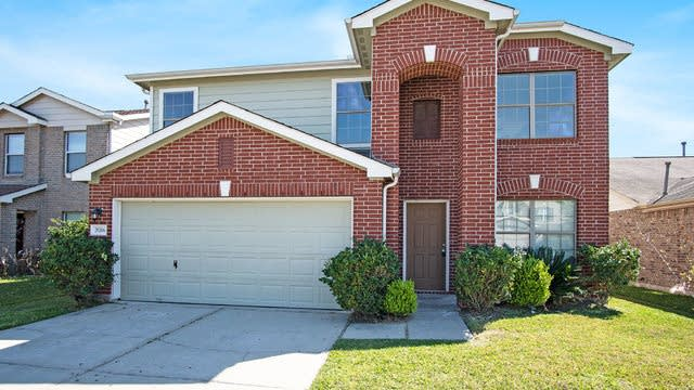Photo 1 of 17 - 29206 Legends Beam Dr, Spring, TX 77386