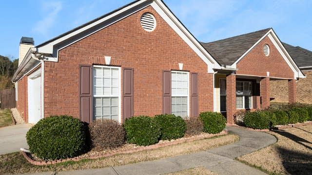 Photo 1 of 17 - 2862 Newtons Crest Cir, Snellville, GA 30078