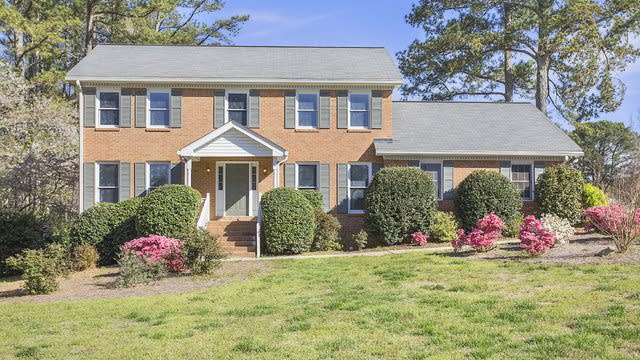 Photo 1 of 15 - 560 Clubhouse Dr SE, Conyers, GA 30094
