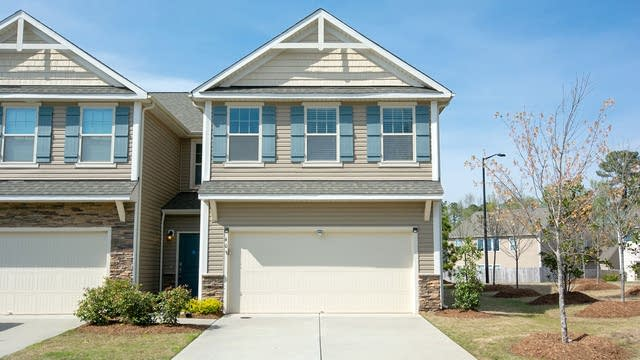 Photo 1 of 19 - 408 Shakespeare Dr, Morrisville, NC 27560