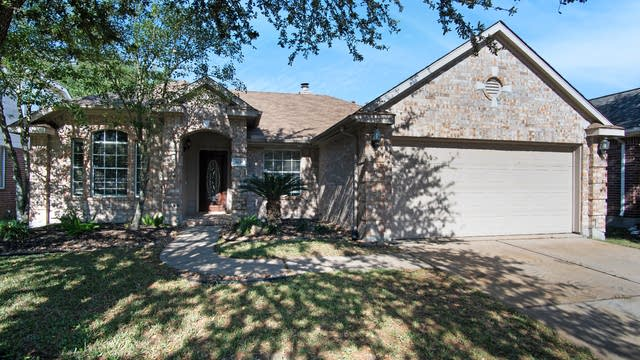 Photo 1 of 16 - 8635 Westcove Cir, Houston, TX 77064