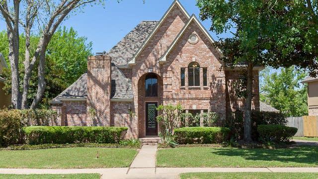Photo 1 of 20 - 1310 Deerfield Rd, Richmond, TX 77406