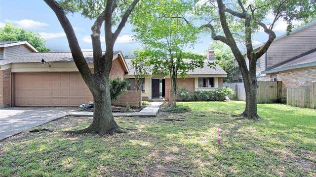 Photo 1 of 14 - 12719 Braewood Glen Ln, Houston, TX 77072