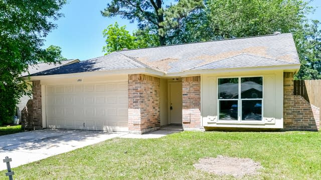 Photo 1 of 25 - 6931 Foxfield Ln, Humble, TX 77338