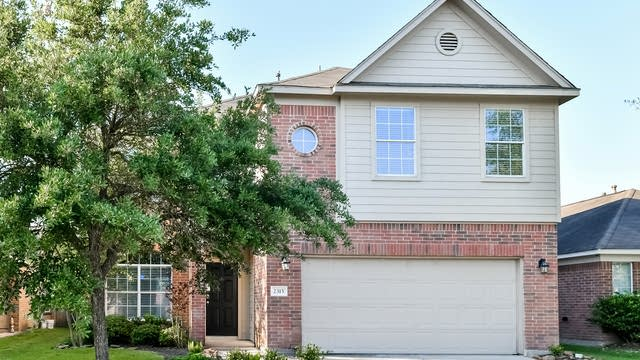 Photo 1 of 25 - 2315 Urban Forest Ct, Spring, TX 77386